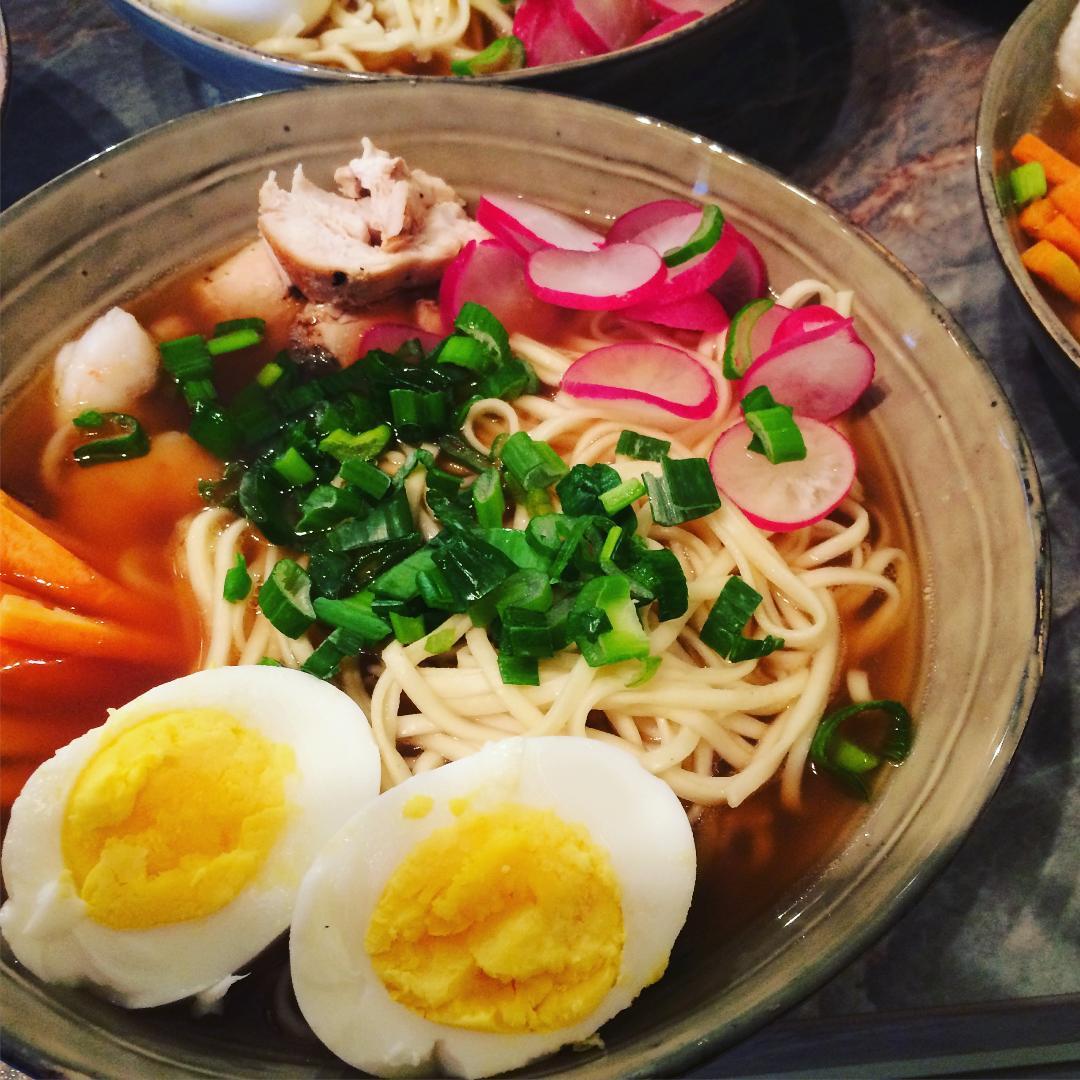 Ricetta Ramen Pesce.Ramen Di Pollo E Gamberi Cucina Giapponese Graziella Pecoraro Cucina Giapponese